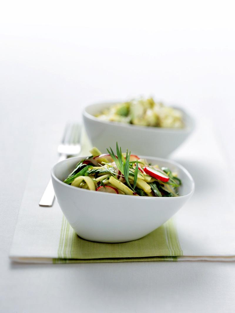 Erfrischend fürs Sommerfest: Gurkensalat mit Estragon.